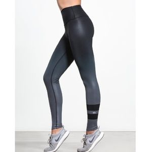 ALO Yoga High Rise Ombré Airbrush Gradient Legging